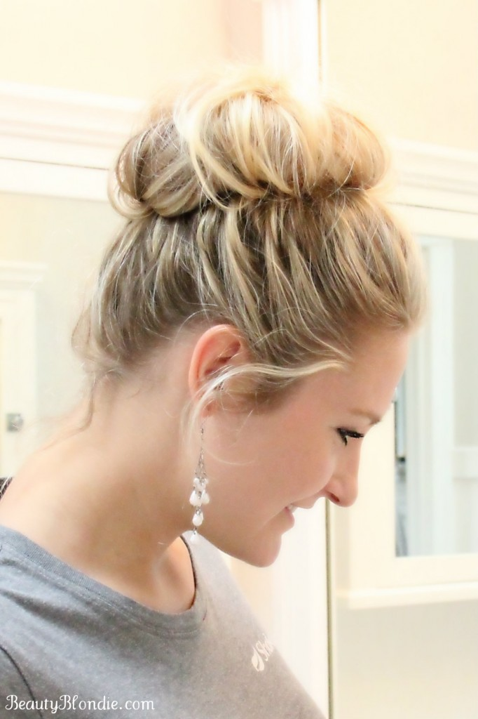 Another easiest way to achieve that perfect messy top bun is to simply twist up all your hair. Twist it till the tip and roll it into a messy bun and use a hair tie to secure it into place. 9. Casually Messy. In a rush? We have the perfect hairstyle lined up. This casual messy top bun is the way to go.
